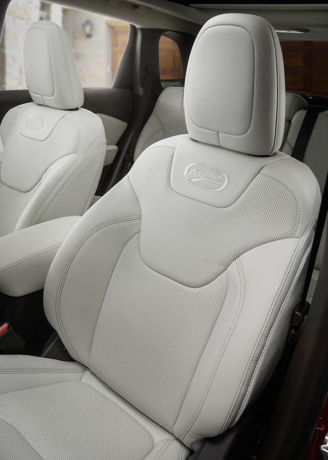 2016 Jeep Cherokee Overland Interior Seats