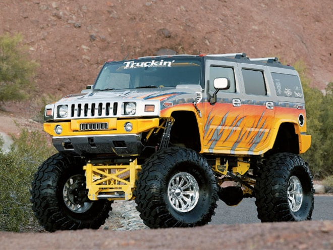 2003 Hummer H2 front View