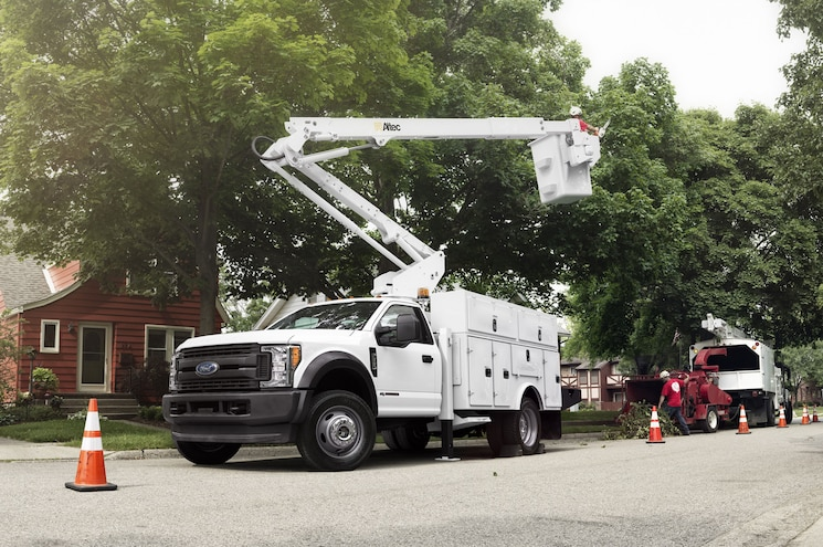 Ford Reveals Super Duty Chassis Cab Ratings at NTEA Work Truck Show