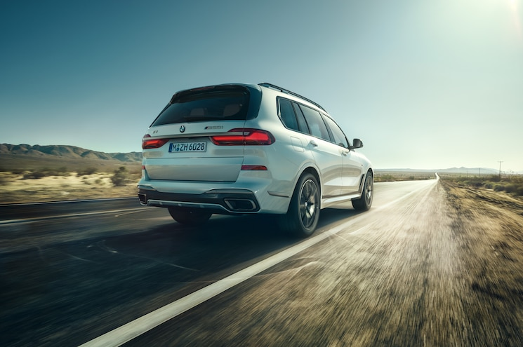 2020 Bmw X7 M50i Exterior Rear Quarter Dynamic