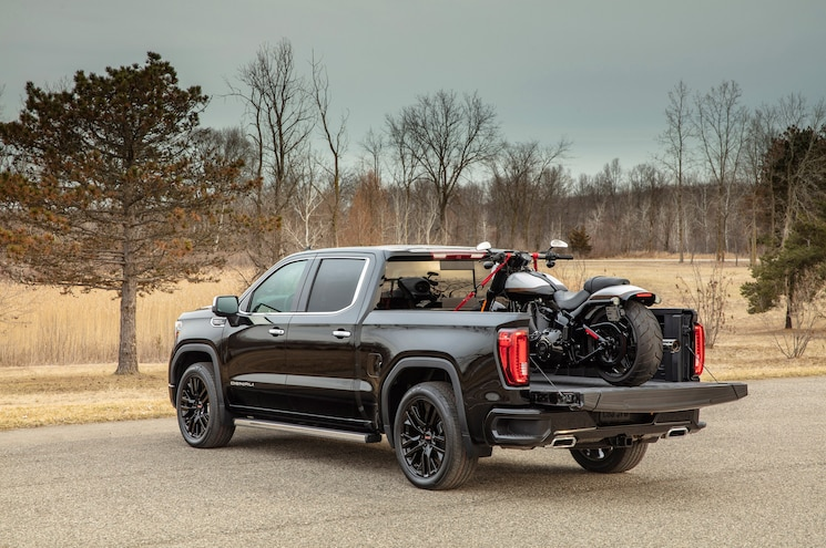 2020 GMC Sierra 1500 Gets Adaptive Cruise Control, Expanded 10-Speed Auto