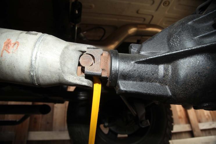 2003 Chevy Silverado Avoiding The Shaft 05