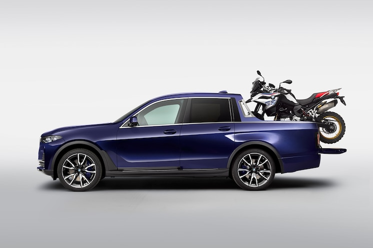 BMW Creates One-Off X7 Pickup for Motorcycle Show