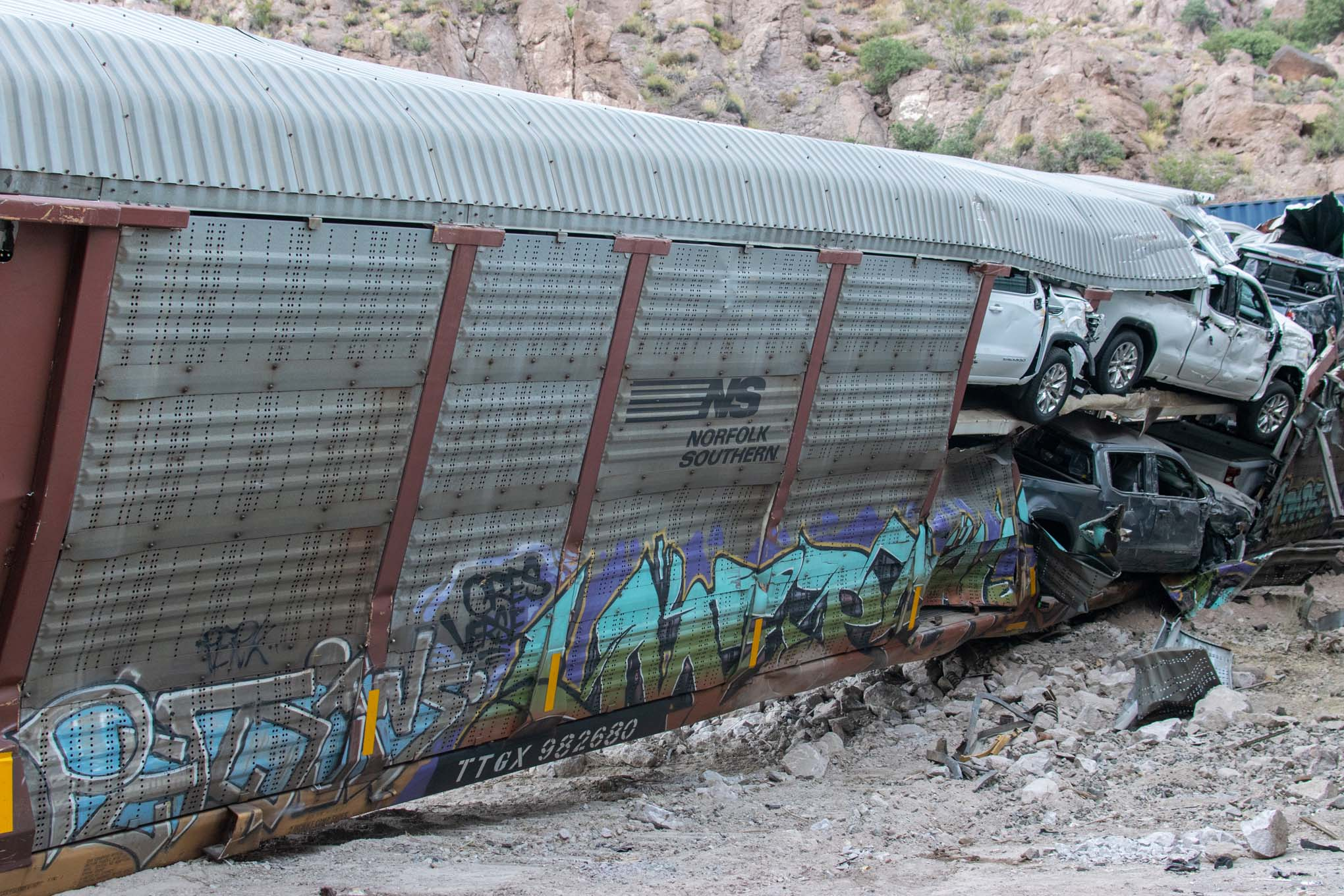 Nevada Train Derailment- EXCLUSIVE PHOTOS AND VIDEO