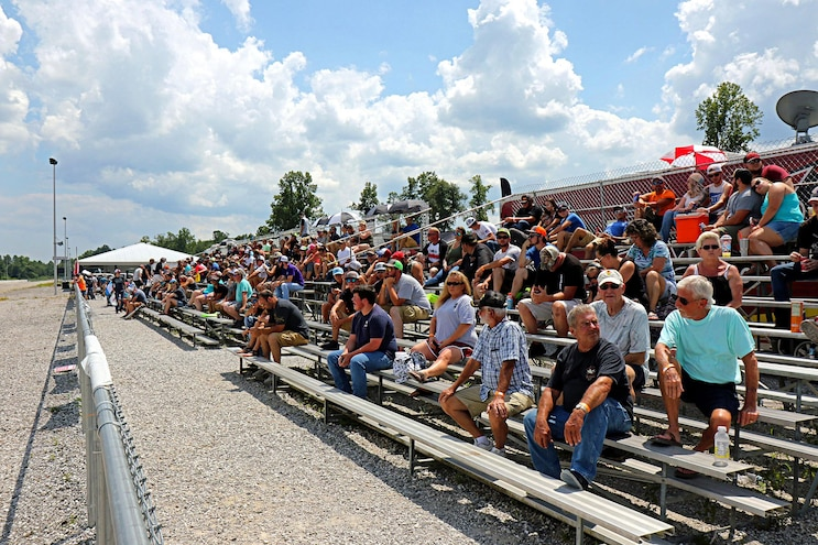 009 Rocky Top Diesel Shootout 6 Saturday Crowd P