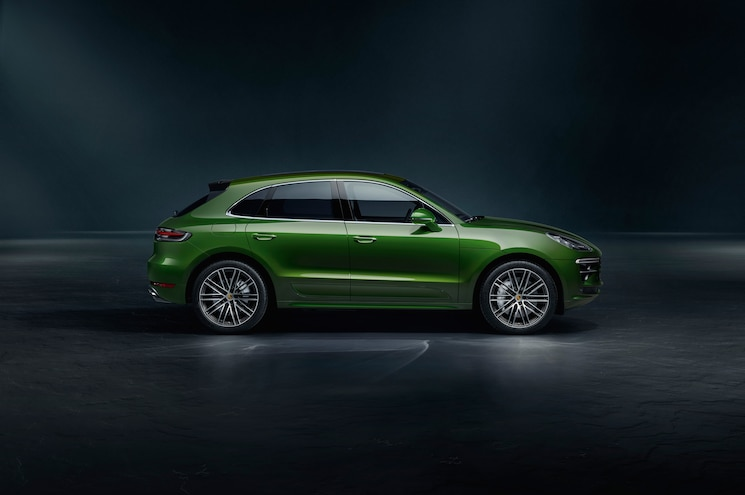 2020 Porsche Macan Turbo Exterior Side Profile