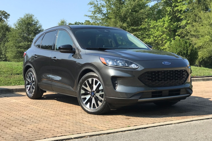 2020 Ford Escape Exterior Front Quarter 02