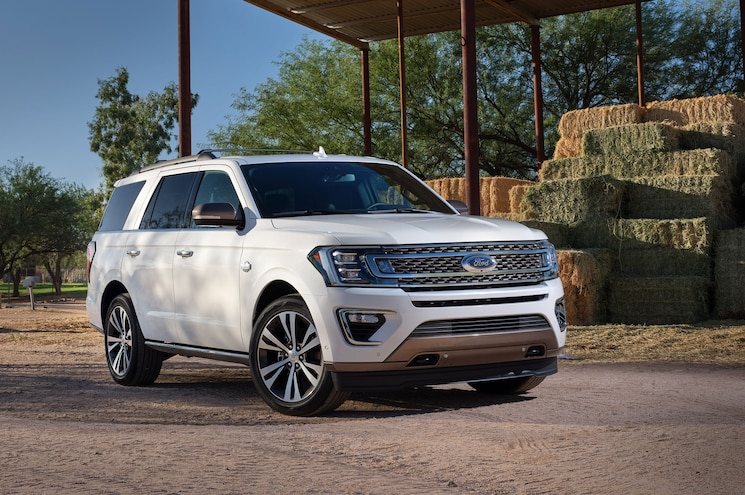 2020 Ford Expedition King Ranch Exterior Front Quarter 02