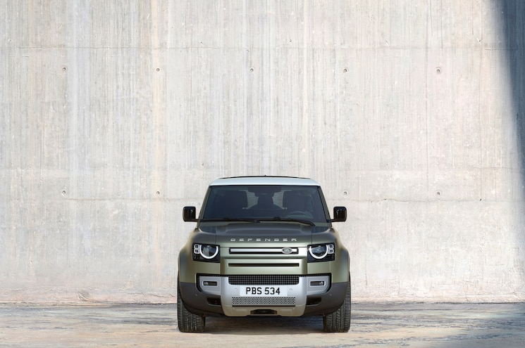 2020 Land Rover Defender 90 Exterior Front View 01
