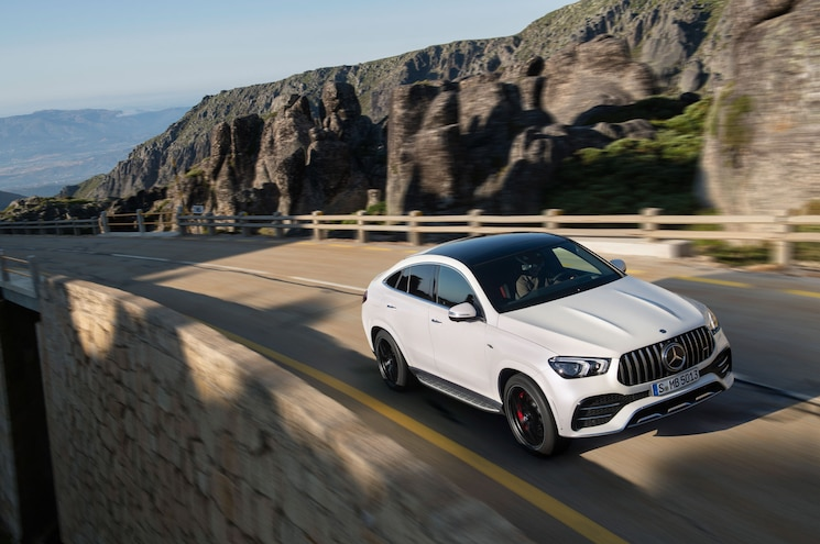 2021 Mercedes Amg Gle 53 Coupe Exterior Front Quarter 03