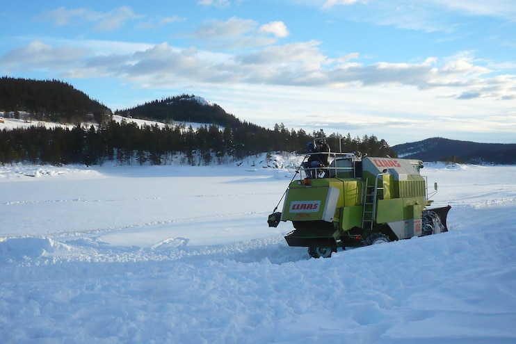 Top Gear Snowbine Harvester 03