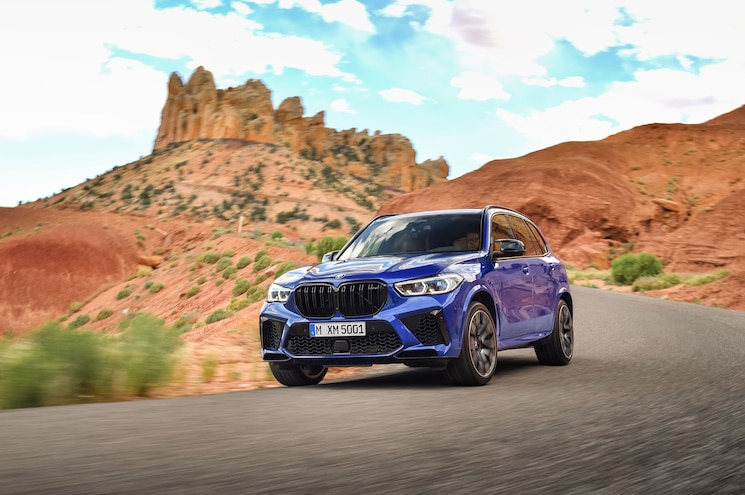 2020 Bmw X5 M Competition Exterior Front Qaurter 07