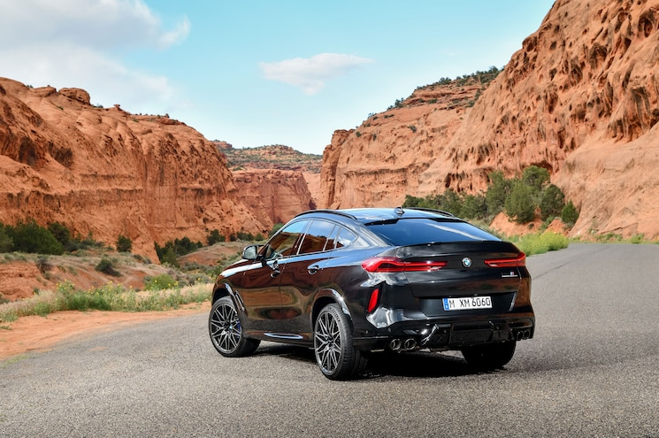 2020 Bmw X6 M Competition Exterior Rear Quarter 02
