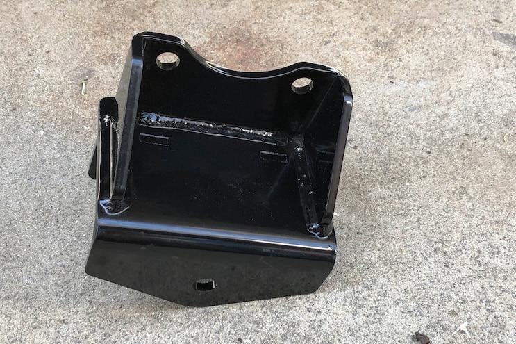 Tech Install 2002 Silverado 2500hd Bds Recoil Traction Bars 007