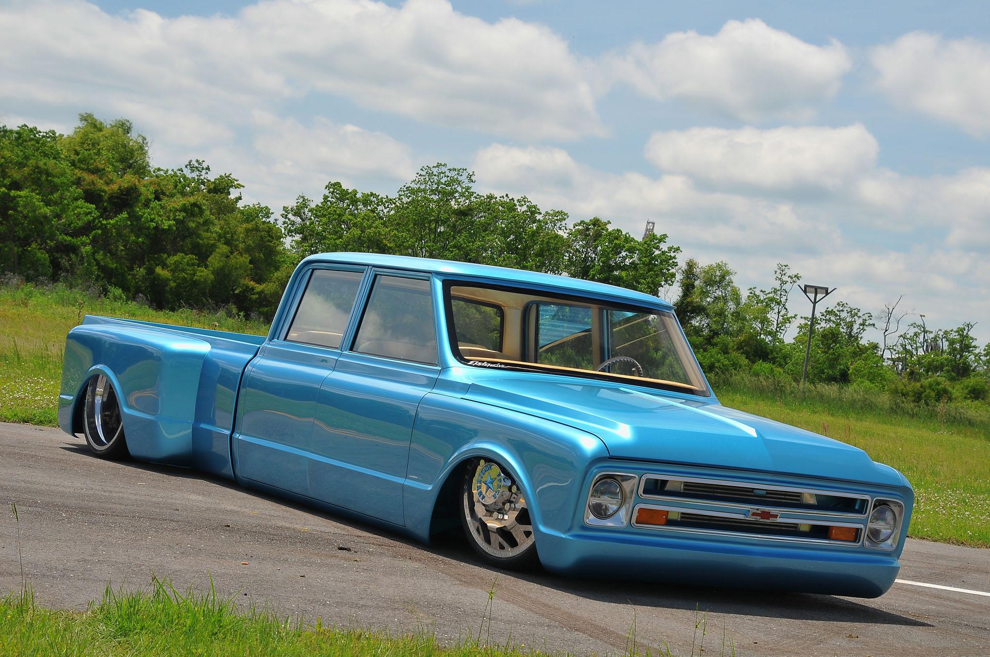1970 Chevy Crew Cab Dualie La Perla Azul