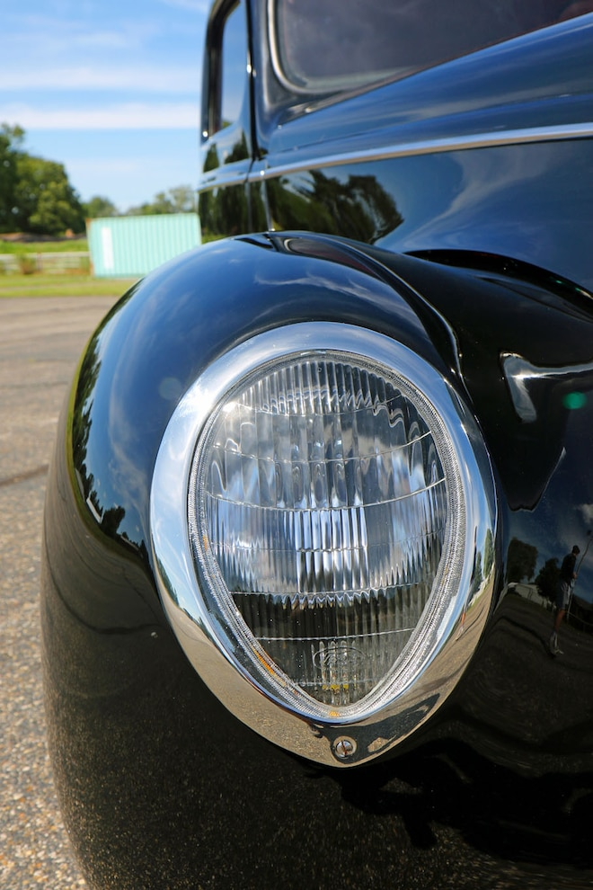 003 1939 Ford Sedan Deluxe Headlight