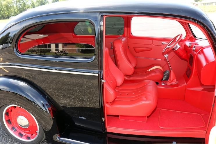 010 1939 Ford Sedan Deluxe Interior