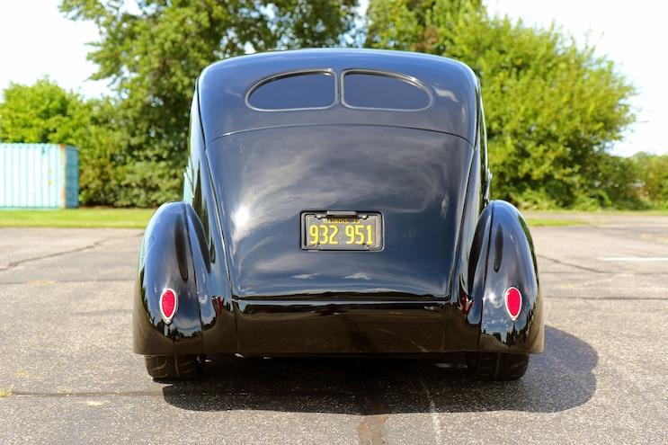 025 1939 Ford Sedan Deluxe Rear