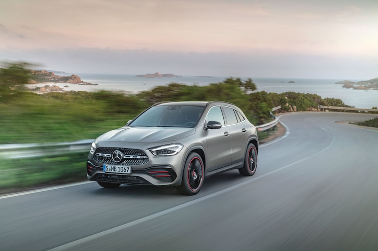 First Look – 2021 Mercedes-Benz GLA 250 and Mercedes-AMG GLA 35