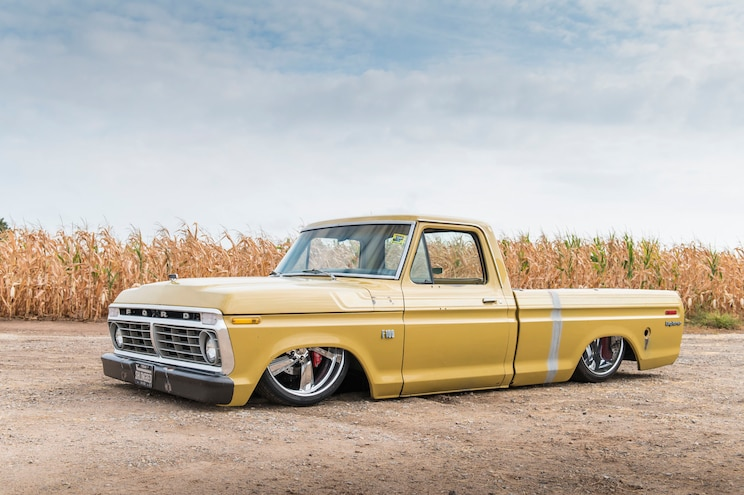 A 640hp 1975 Ford F-100