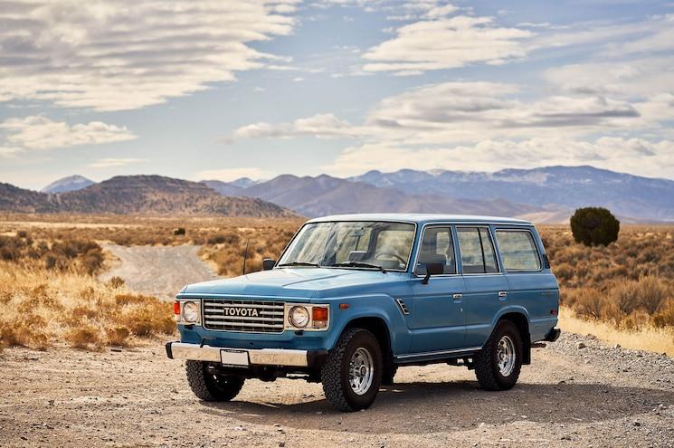 1984 Toyota Land Cruiser Fj60 Exterior Front Quarter 01