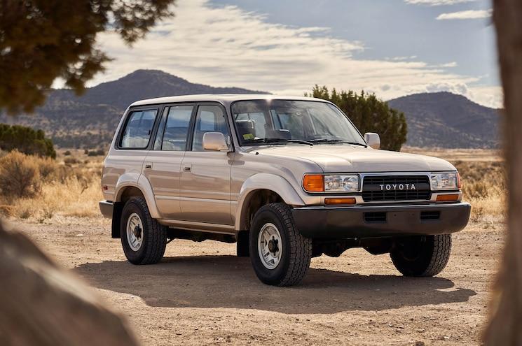 1991 Toyota Land Cruiser Fj80 Exterior Front Quarter 01