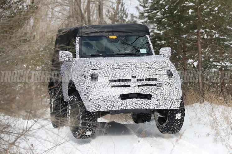 2021 Ford Bronco Spied Exterior Front Quarter 03