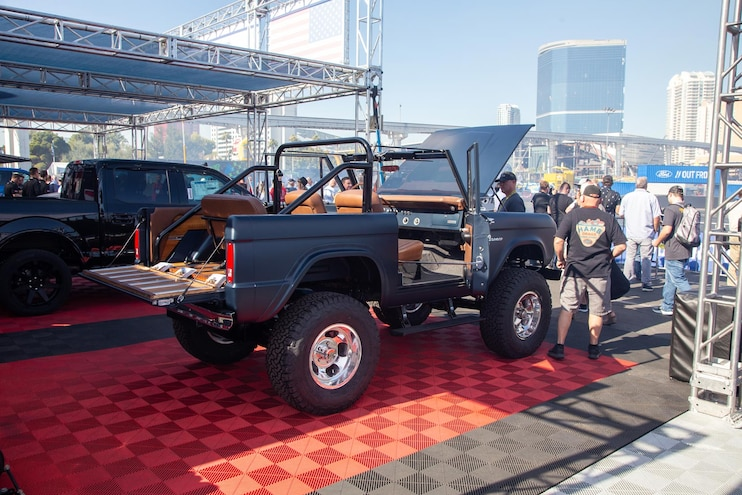 Gateway Bronco: World's First Roush-Powered Ford Bronco with a 10-Speed