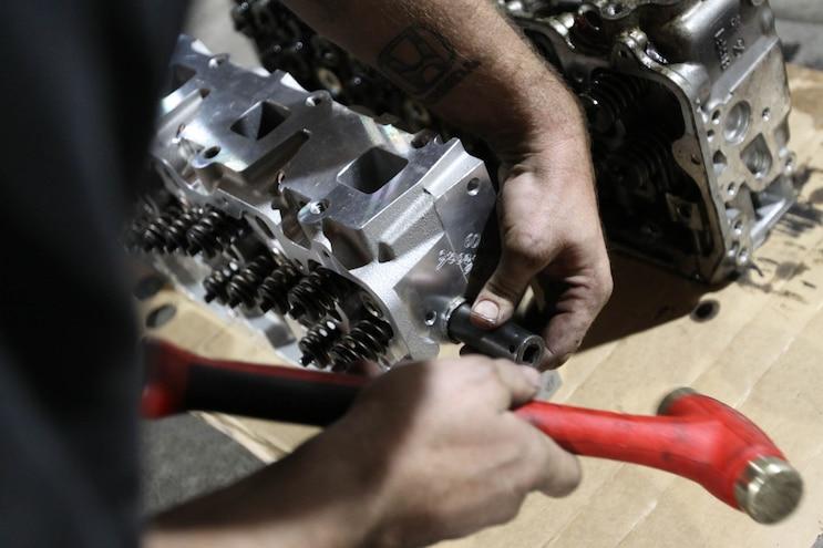 Installing Edelbrock 6 6l Duramax Cylinder Heads 21