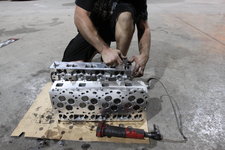 Installing Edelbrock 6 6l Duramax Cylinder Heads 22