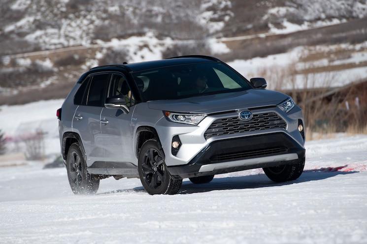 2020 Toyota Rav4 Hybrid Xse Snowcross 02