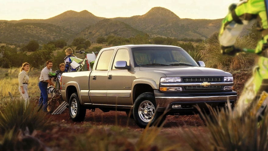 Chevy 1500HD: The First 1500 Silverado Crew Cab Was Weird but Cool