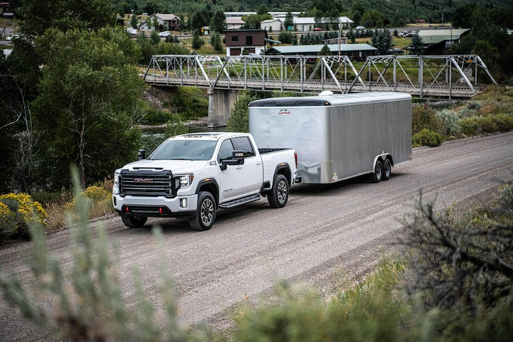 004 2021 Trucks With V 8 Engines 2021 Gmc Sierra Hd At4