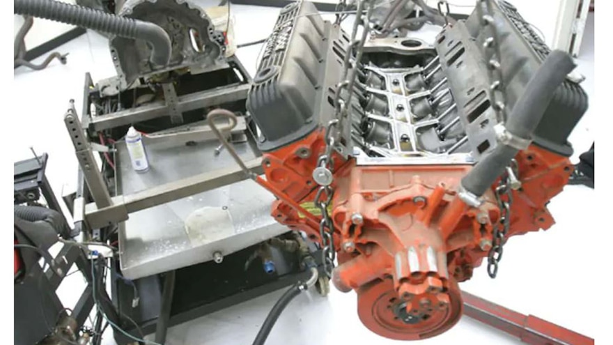 Small-Block Mopar Engine - Junkyard Jewel 5.9L Mopar Magnum - Engine Buildup