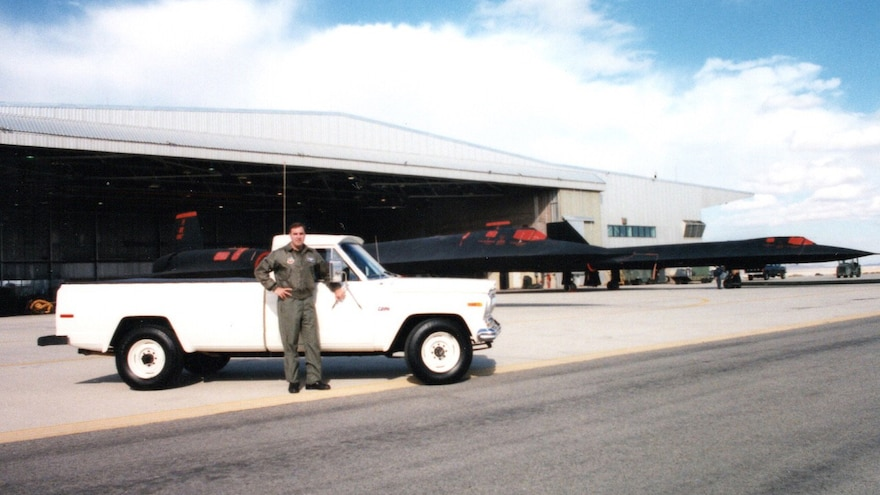 Piloting Blackbirds and Gladiators: The Truck Show Podcast, Episode 152
