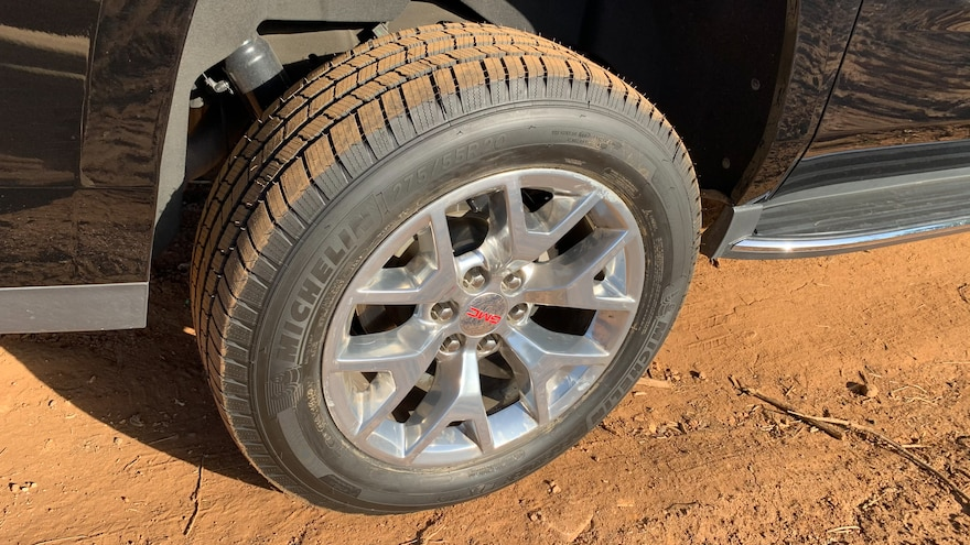 03 How To Choose The Best Tires For Your SUV Michelin Defender LTX