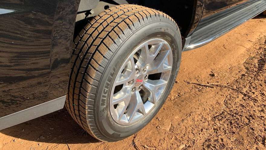 18 How To Choose The Best Tires For Your SUV Michelin Defender LTX