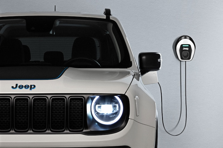 2021 Jeep Renegade 4xe First Edition Wallbox