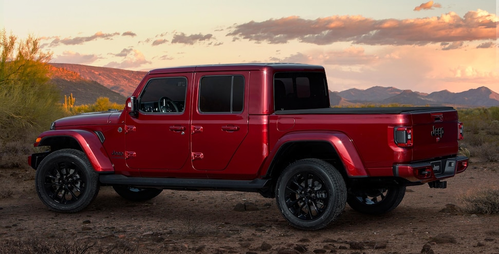 2020 Jeep Gladiator High Altitude Snazzberry Side 5