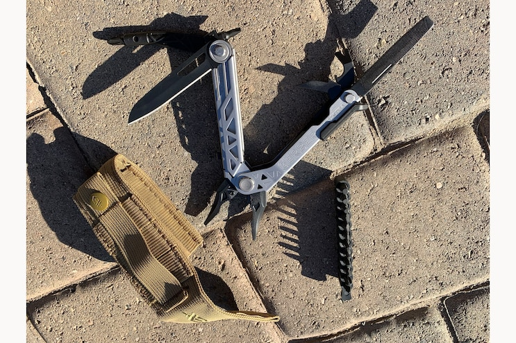 19 Gerber Center Drive Multi Tool With Bit Set And Molle Sheath
