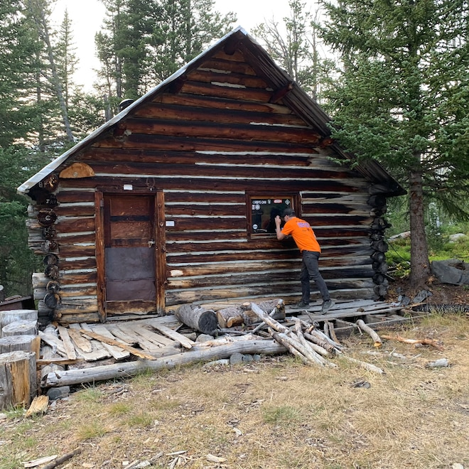 35 Ua20 Cabin On Mckelvey Lake Trail Montana Ua2020