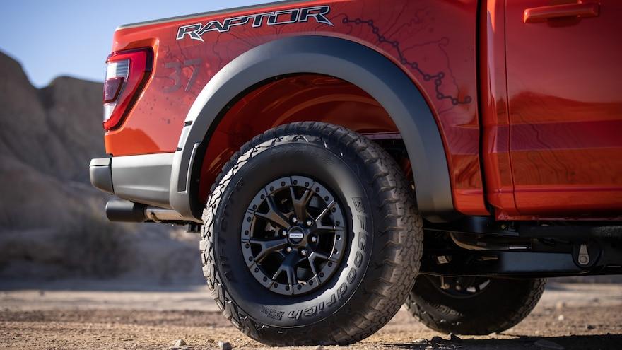 005 2021  Ford F150 Raptor 37