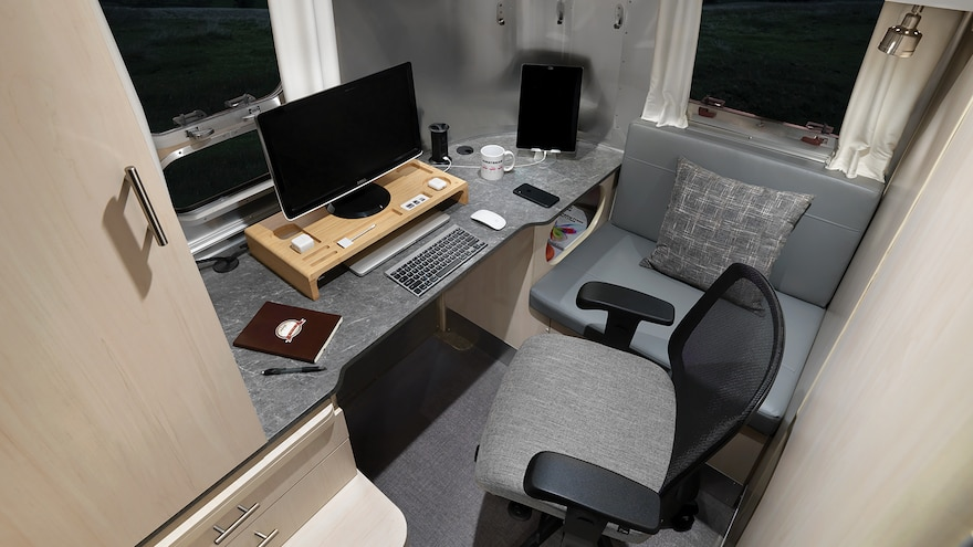2021 Airstream Flying Cloud 30 Office Seattle Mist Office Propped