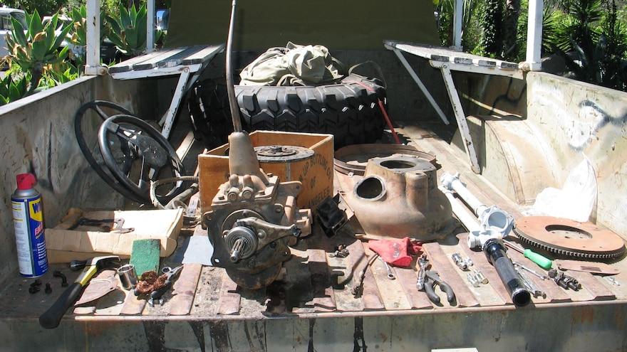 07 Using A Vintage Military Jeep M715 Bed As A Workbench