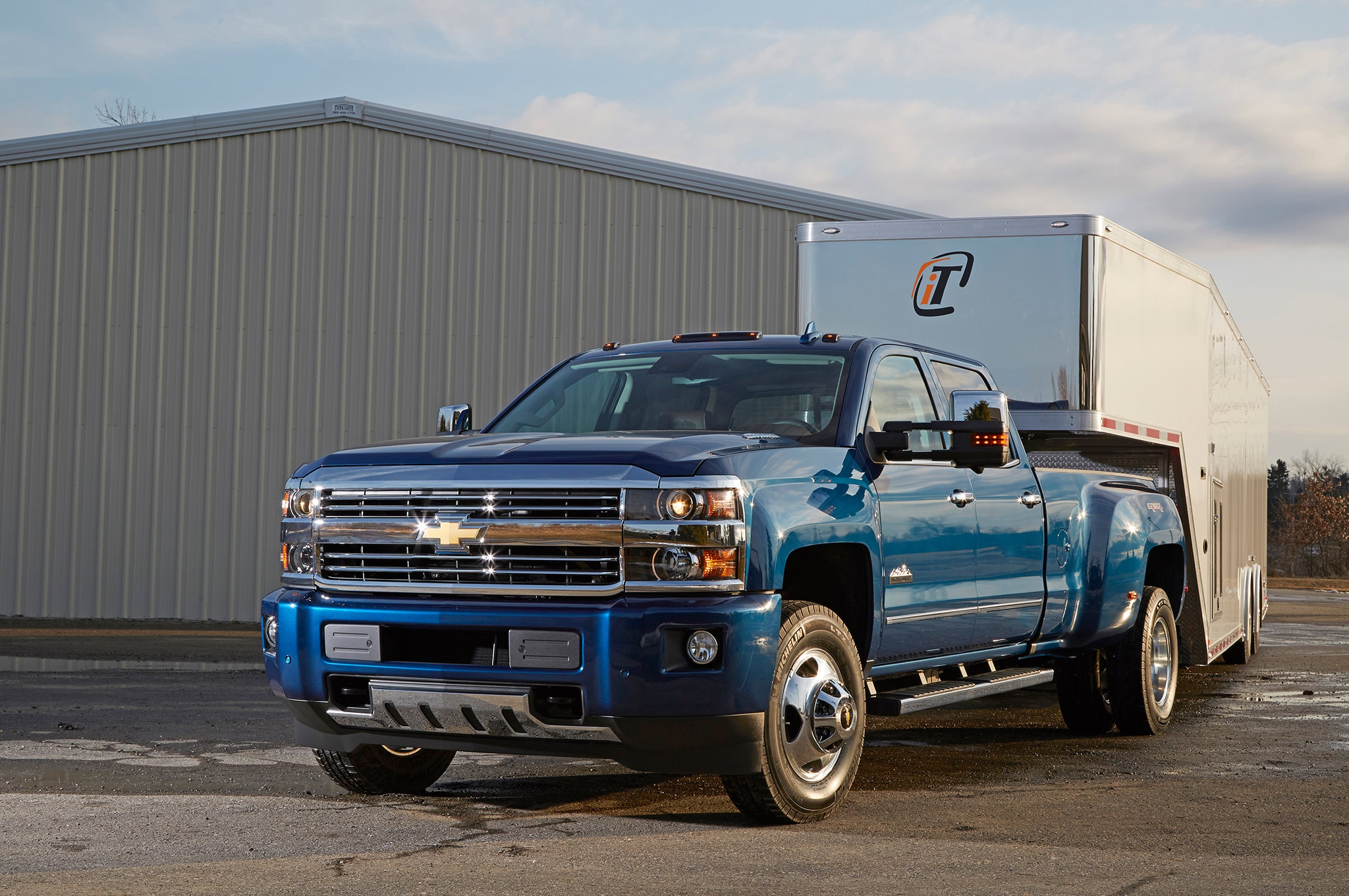 Ford and GM Add High-Tech Towing Aide Packages to New Trucks