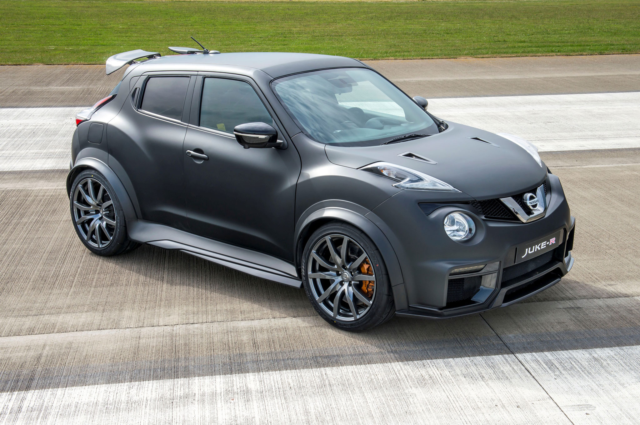 Inne rodzaje Bonkers Nissan Juke-R Morphs Into Version 2.0 Photo & Image Gallery NY15