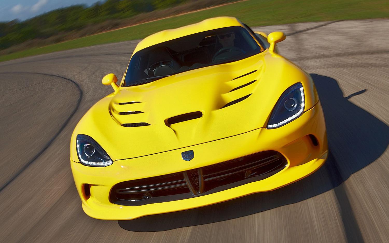 2013 SRT Viper First Drive - Motor Trend