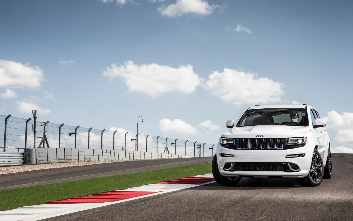 2014 Jeep Grand Cherokee Srt First Drive Photo Image Gallery